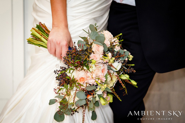 bridal_bouquet_blush_blue_garden_roses_natural_botanica_floral_design_world_forestry_center