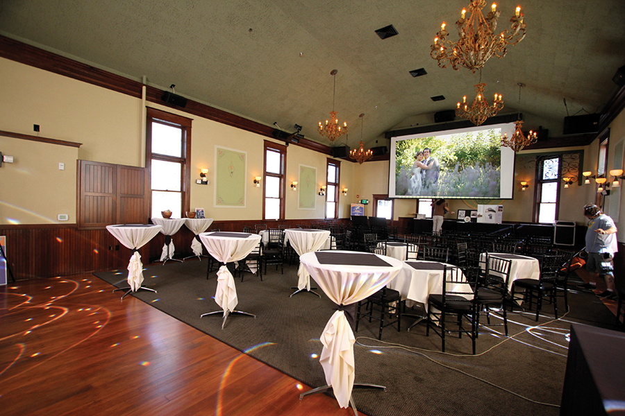Oregon Wedding Venues McMenamins Wilsonville Old Church and Pub