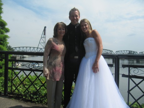 Oregon Wedding Officiant and Minister Diva Matters Ministry